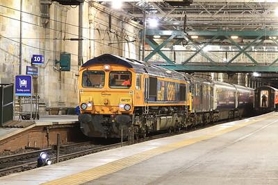 66737 + 73971, Edinburgh Waverley, 1M16 20.44 Inverness-Euston - 02/12/16.