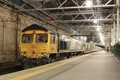 66740 + 73969, Edinburgh Waverley, joining up 1B01 19.00 Portion ex Fort William & 1B16 21.43 Portion ex Aberdeen - 02/12/16.