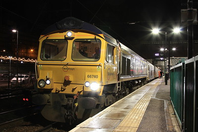 66740 + 73969, Edinburgh Waverley, 1B01 19.00 Portion ex Fort William - 02/12/16.
