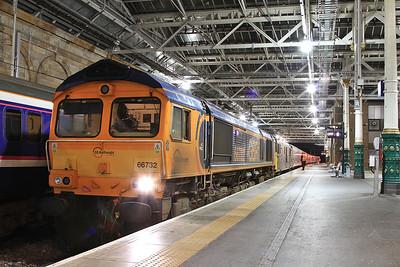 66732 + 73969, Edinburgh Waverley, 1B16 21.43 Portion ex Aberdeen - 22/09/16.