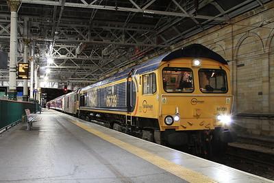 66739 + 73970, Edinburgh Waverley, 1Y11 04.50 portion to Fort William - 22/09/16.