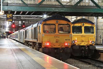 66732 + 73968, Edinburgh Waverley, 1A25 04.43 portion to Aberdeen .... 66739 + 73970 behind are ready to work 1Y11 04.50 portion to Fort William - 22/09/16.