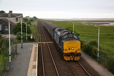 37425 arrives at Kirkby-in-Furness, 2C41 14.37 Barrow-Carlisle - 16/06/17.