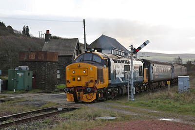 37401 dep Foxfield, 2C45 11.38 Barrow-Carlisle - 18/11/17.