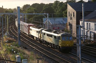86638 + 86608, arr Carlisle, 4M11 Coatbridge-Crewe liner - 20/07/17