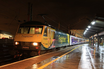 90042, Preston, 1M16 21.43 Inverness-Euston - 01/02/17.