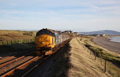 37403 departs Seascale, 2C33 15.31 Barrow-Carlisle - 15/10/18