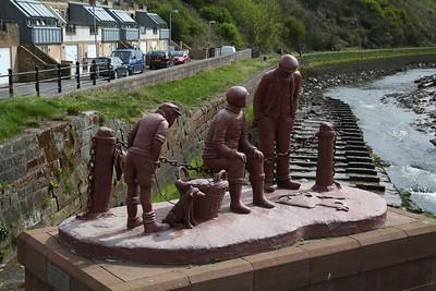 Iron Ore sculpture of local fishermen, Maryport harbour - 27/04/18
