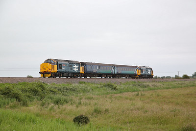 37424 (37407 rear), Acle Marshes, 2P18 10.36 Norwich-Great Yarmouth - 27/06/19