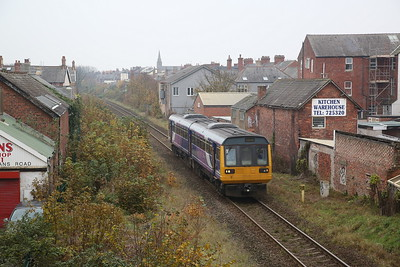 142061 arr St Annes-on-the-Sea, 2S66 12.35 Preston-Blackpool South - 06/11/19