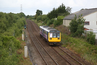 142032 approaching Lostock Hall, 2N13 07.59 Preston-Colne - 20/06/19
