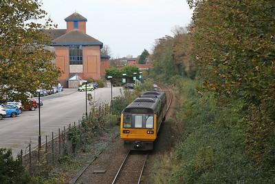142051 departs Lytham, 2S50 15.13 Blackpool South-Preston - 30/10/19