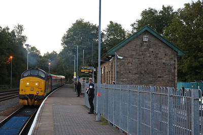 37421, Rhymney, reversing out of the station after running round the ECS off 2R24 17.46 ex Cardiff Central - 13/09/19