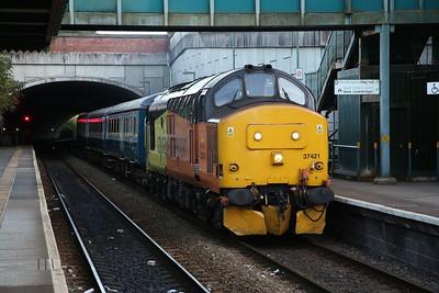 37421 arrives at Bargoed, 2R24 17.46 Cardiff Central-Rhymney - 13/09/19