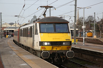 90008 dep Norwich, 1P35 12.00 to London Liverpool Street .... 37403 is on 2P20 12.36 to Great Yarmouth - 18/01/19