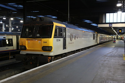 92044, London Euston, 1M16 21.43 ex Aberdeen / 19.50 ex Fort William / 20.45 ex Inverness - 18/01/19