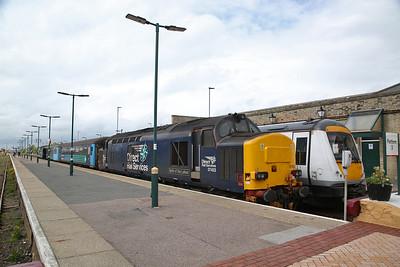 37716 / 37423, Lowestoft, 2J77 12.57 to Norwich (Vice DMU) - 10/05/19