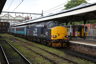 37423 / 37716, Norwich, 2J74 12.05 to Lowestoft (Vice DMU) - 10/05/19