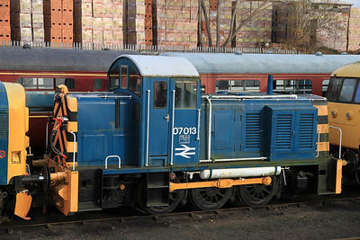 07013 in the yard at BH - 04/12/2011.