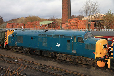 37275 in the yard at BH - 04/12/2011.