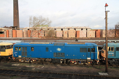 73117 in the yard at BH - 04/12/2011.