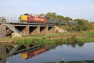 37503 arr Wansford on 2M49 13.30 ex Peterborough NV - 01/10/11.