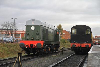 D8059 (20059) arrives light engine at Kidderminster, 12099 on right shunting ECS - 30/10/11.