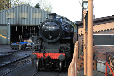43106 in the shed yard at Bridgnorth after failing yesterday - 30/10/11.