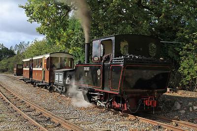 'Pakis Baru 5' (O&K 1473/1905, ex Pakis Baru Sugar Mill, Java) at Oak Tree Halt on a passenger train to Statfold - 17/09/11.