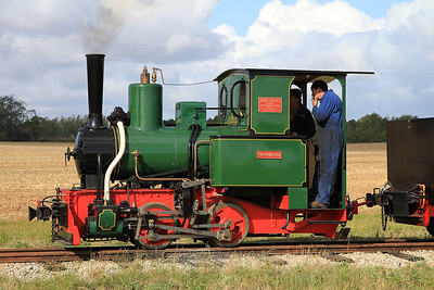 'Howard' (Jung 3175/1921, ex Argentina) waits in the top loop with a 'mixed' train for Statfold - 17/09/11.