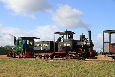 'Howard' (Jung 3175/1921, ex Argentina) + 'Pakis Baru 1' (O&K 614/1900, ex Pakis Baru Sugar Mill, Java) wait in the top loop with a 'mixed' train for Statfold - 17/09/11.
