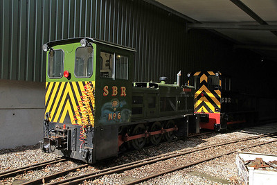 SBR No.6 'Badger' (HB D1418/1971, ex Corus Shotton No.49) / SBR 'Tom' (HC DM1447/1981, ex Corus Shotton No.51) inside the shed at Oak Tree Halt - 17/09/11.