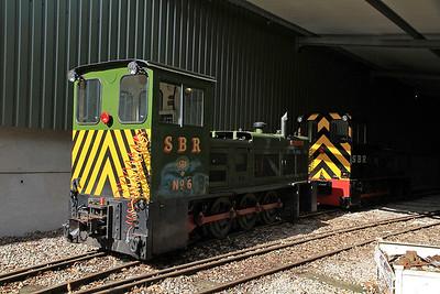 SBR No.6 'Badger' (HB D1418/1971, ex Corus Shotton No.49) / SBR 'Tom' (HC DM1447/1981, ex Corus Shotton No.51) inside the shed at Oak Tree Halt - 17/09/11.