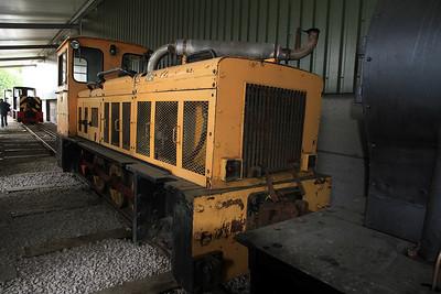 Another Hudswell/Badger (D1418/1971), Ex Corus Shotton No.50, inside the shed at Oak Tree Halt - 17/09/11.