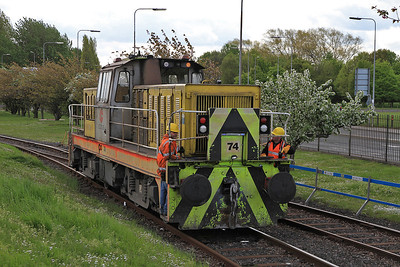 Tata 'Hunslet' 74 backs onto the DMU at 'Frodingham' to do the 11.00 Circular tour - 13/05/12.