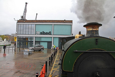 "P 1940/1937 'Henbury' heading away from ""MShed"" - 04/11/12."