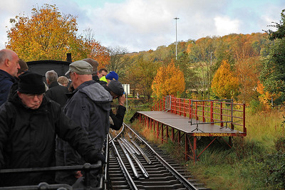 """traversing a siding at the end of the """"Create Centre"""" branch - 04/11/12."""