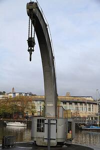 steam crane (operational) - 04/11/12.