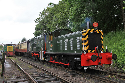 D2245 / D3690 (08528) at Shackerstone on the 14.35 to Shenton - 16/06/12.