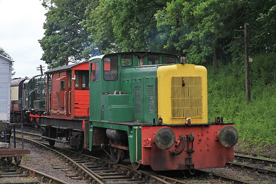 D2867 propels into Shackerstone to provide BV rides in-between main mine departures - 16/06/12.