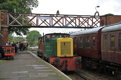 D2867 giving Brake Van rides, just leaving Shackerstone - 16/06/12.