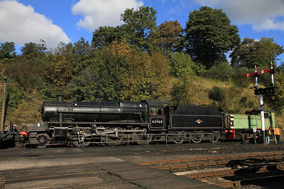 42968 gets a day off at Bewdley, RH 319290/1953 sits alongside on display - 06/10/12.