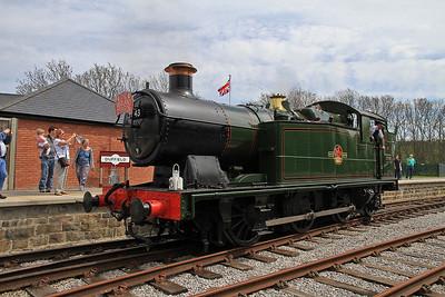 5643 running round at Duffield - 06/05/13.