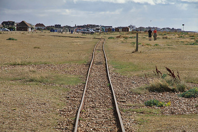 Looking down the line away from Beachlands station - 07/09/13.