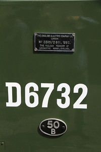 D6732 number, worksplate and cast 50B shedplate (Hull Dairycoates) - 16/06/13.
