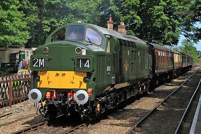 D6732 (37032), Holt, 1M14 11.21 ex Sheringham - 16/06/13.