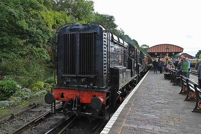 12099 / 08133, Bewdley, 09.25 ex Kidderminster  - 05/10/13.