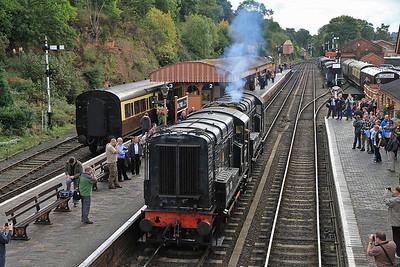 12099 / 08133 running round at Bewdley   - 05/10/13.