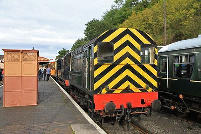 08133 / 12099, Bewdley, 10.10 to Kidderminster   - 05/10/13.