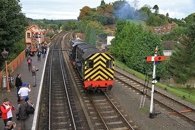 08133 / 12099 running round at Bewdley   - 05/10/13.